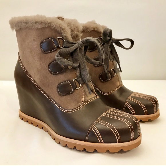 8abef0335d5 UGG ALASDAIR WEDGE ANKLE BOOTIES WOMEN'S SIZE 8 NWT